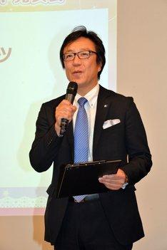 タカラトミーアーツ専務取締役の森岡俊広氏。