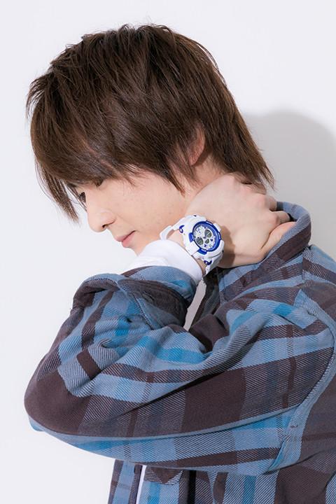 腕時計(王城ホワイトナイツモデル)の着用イメージ。