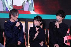 ゲーム「甲鉄城のカバネリ -乱-」で要役を演じる小松昌平、葉矢役を演じる黒沢ともよ、千尋役を演じる梅原裕一郎。