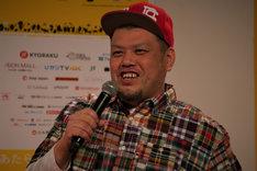 「島ぜんぶでおーきな祭 第10回沖縄国際映画祭」記者会見に登壇したくっきー。
