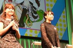 左から小坂井祐莉絵、久保田未夢。