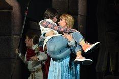 宝塚歌劇宙組「ミュージカル・オリエント『天(そら)は赤い河のほとり』」通し舞台稽古より。
