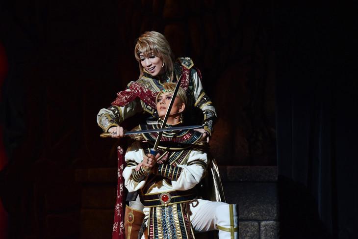 【公演レポート】宝塚版「天は赤い河のほとり」東京で開幕 ...