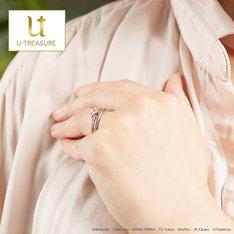 幻のポケモン・ミュウをモチーフにした婚約・結婚指輪。