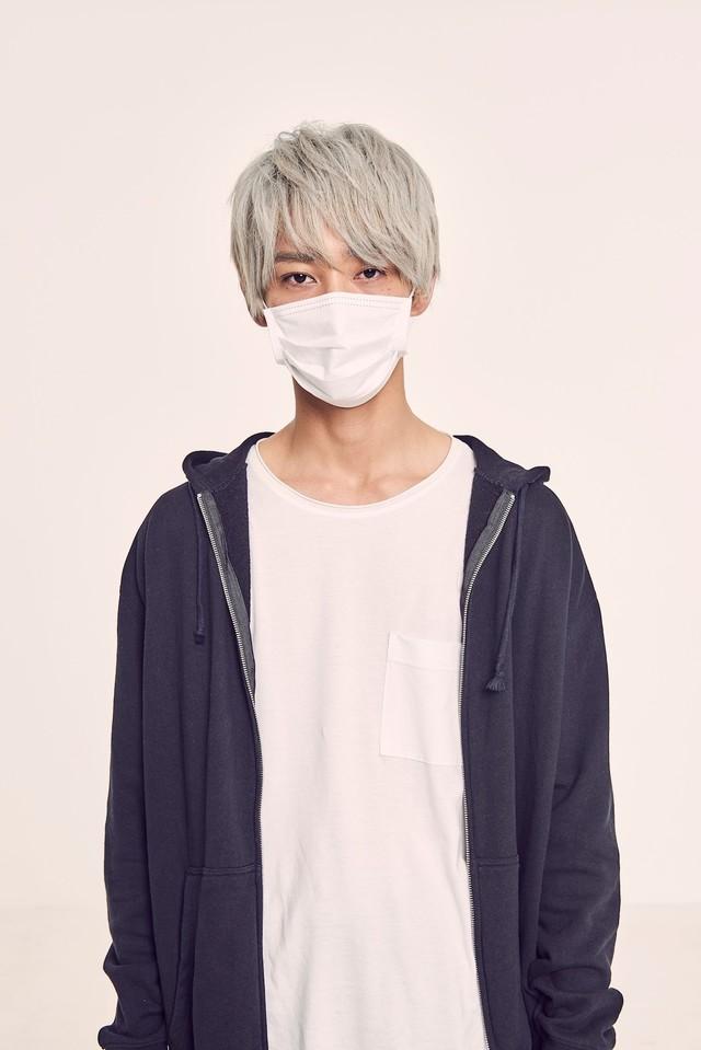 上杉柊平扮するお兄さん。