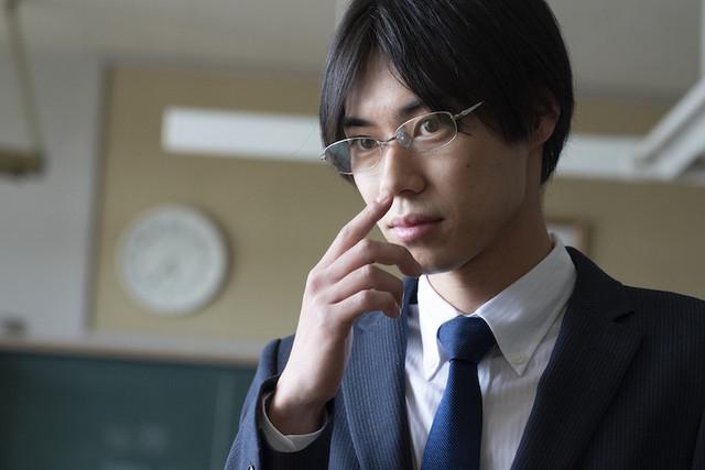 戸塚純貴演じる形切先生。
