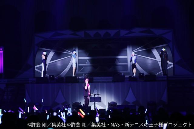 「許斐 剛★パーフェクトLIVE~一人オールテニプリフェスタ2018~」の様子。