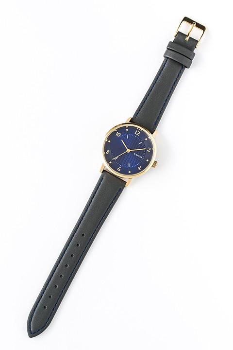 伏見猿比古モデルの腕時計。