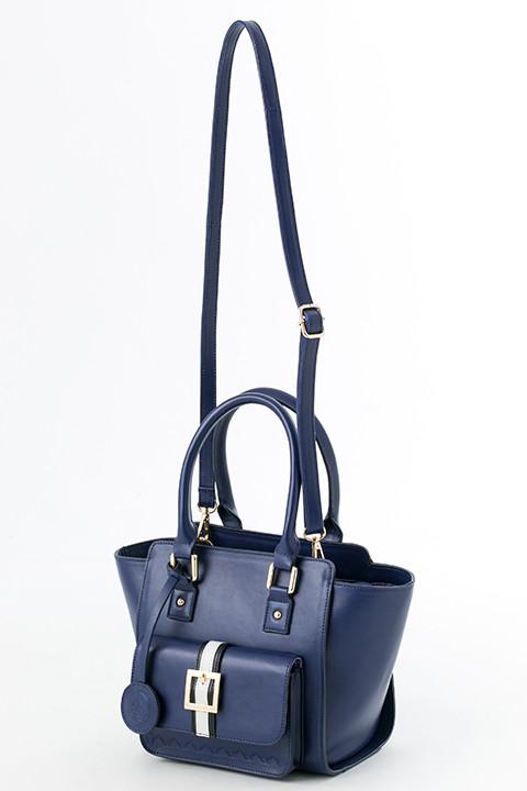 伏見猿比古モデルのバッグ。