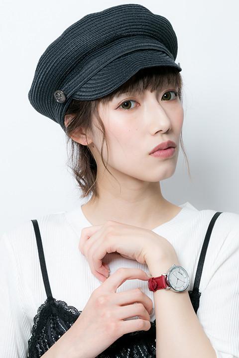 八田美咲モデルの腕時計の着用例。