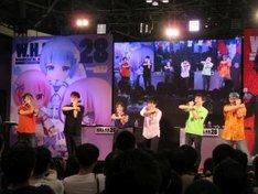 「SSSS.GRIDMAN」トークイベントで、「アクセス・フラッシュ!」をポーズ付きで叫ぶ出演者たち。