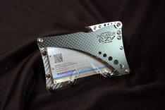 「PATLABOR EZY ×『NA』design CFRPカードケース」
