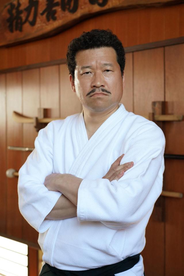 佐藤二朗扮する赤坂哲夫。