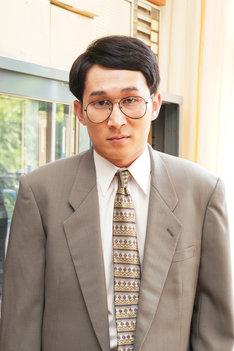 シソンヌ・じろう扮する坂本先生。