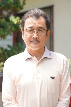 吉田鋼太郎扮する三橋一郎。