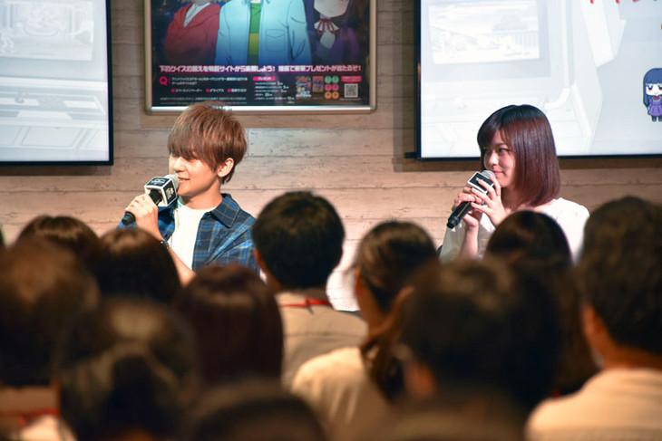 テレビアニメ「ハイスコアガール」のトークショー&上映会の様子。左から天崎滉平、鈴代紗弓。