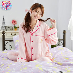 「うさぎのパジャマセット」着用例。