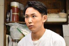 須賀健太演じる柳葉旬。
