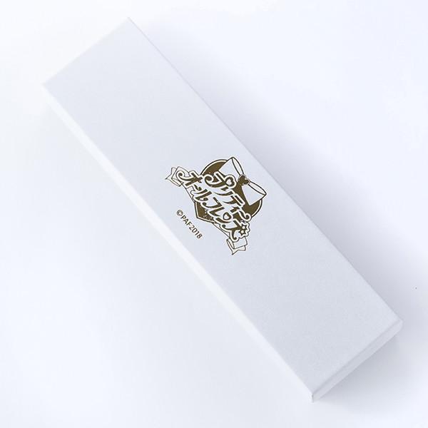 「『プリティーオールフレンズ』コラボレーション腕時計」付属のボックス。