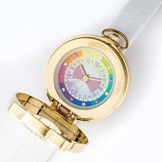 「『プリティーオールフレンズ』コラボレーション腕時計」文字盤部分。