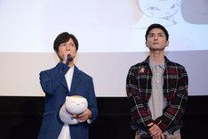 左から神谷浩史、高良健吾。