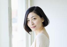 アルテミス役の坂本真綾。