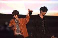 「機動戦士ガンダム 鉄血のオルフェンズ」パートより、(左から)河西健吾、細谷佳正。