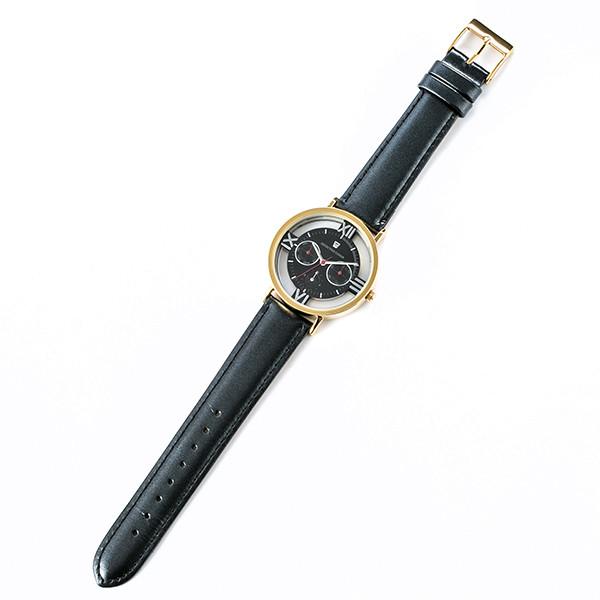 赤井秀一モデルの腕時計。