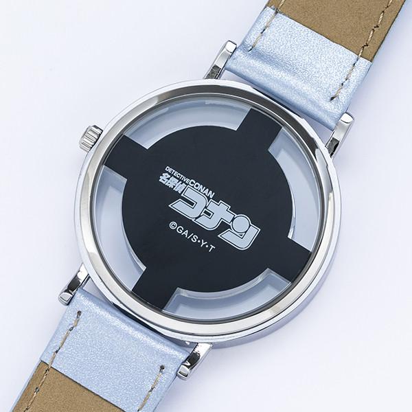 工藤新一モデルの腕時計。
