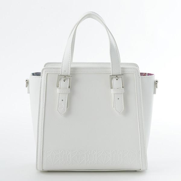 怪盗キッドモデルのバッグ。