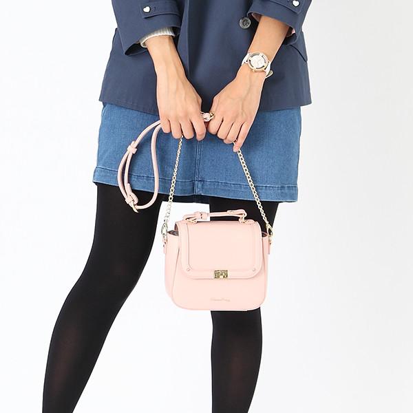 毛利蘭モデルのバッグ使用例。