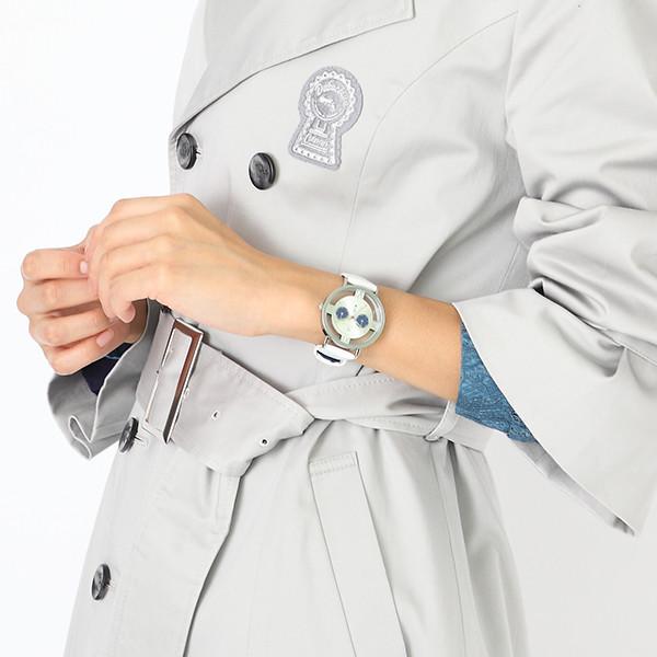 怪盗キッドモデルの腕時計使用例。