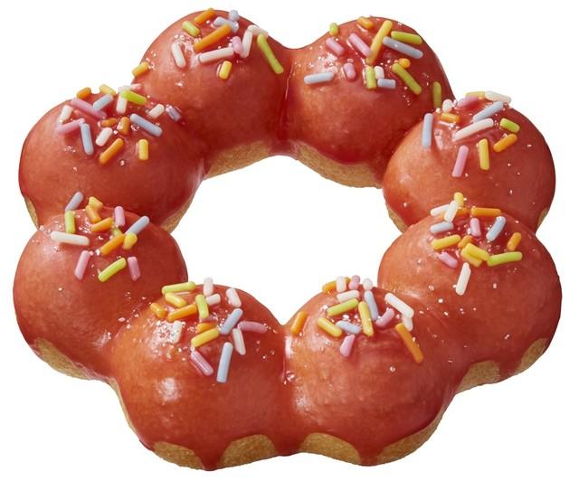 11月9日から12月25日まで展開されるクリスマス期間限定のドーナツ「ポン・デ・リース レッドスノー」。「ミスド ポケモン ドーナツ」の「お持ち帰りで会おう!セット」でも選ぶことができる。