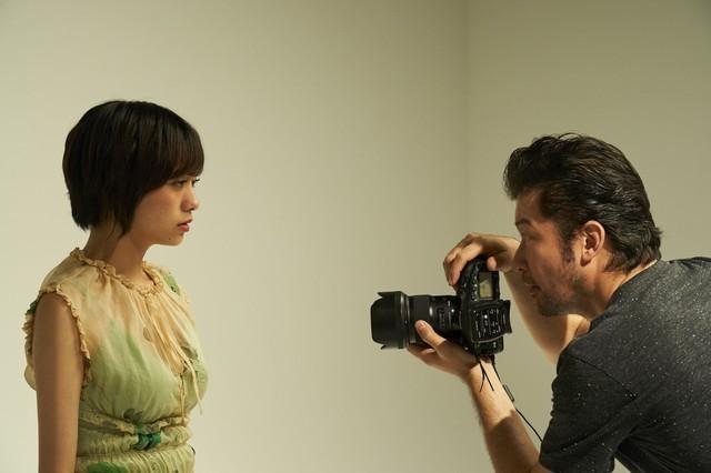 映画「チワワちゃん」の場面カット。