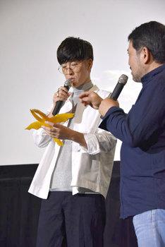 櫻井孝宏によって召喚されたギドラのソフビ。