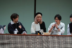 左から小野賢章、山崎はるか、下野紘、堀江瞬。
