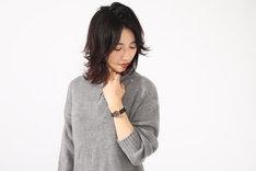 ナツモデルの腕時計使用例。