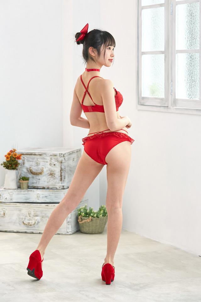 ねこ娘モデルのランジェリーセット着用例。