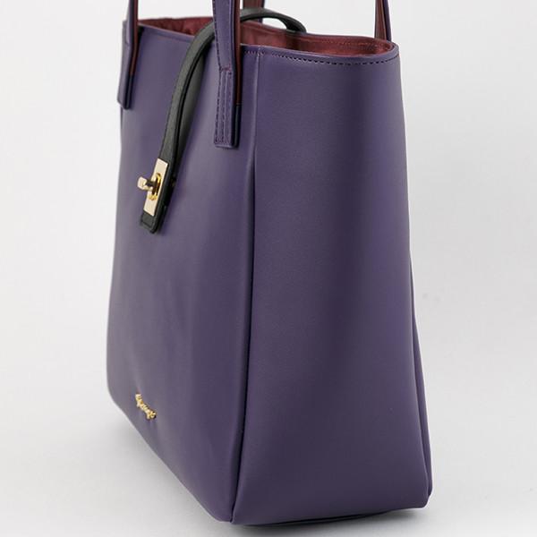 フランスモデルのバッグ。