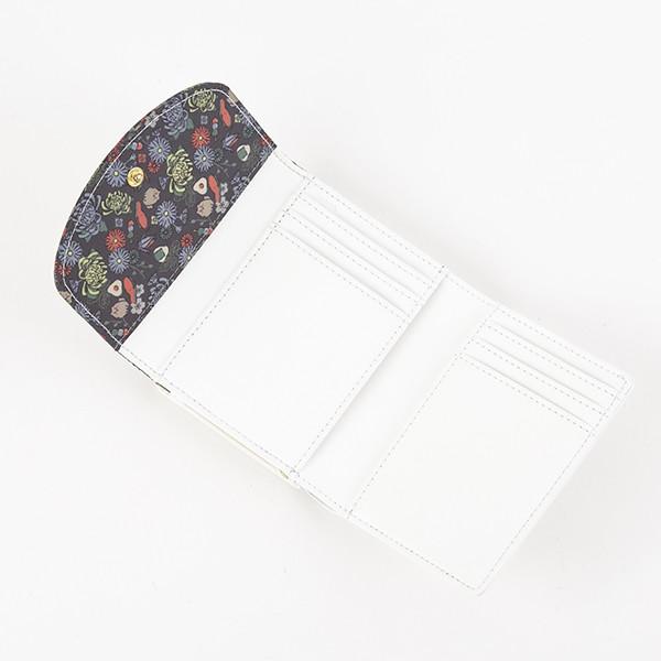 日本モデルの財布。