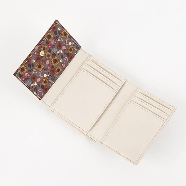 ロシアモデルの財布。