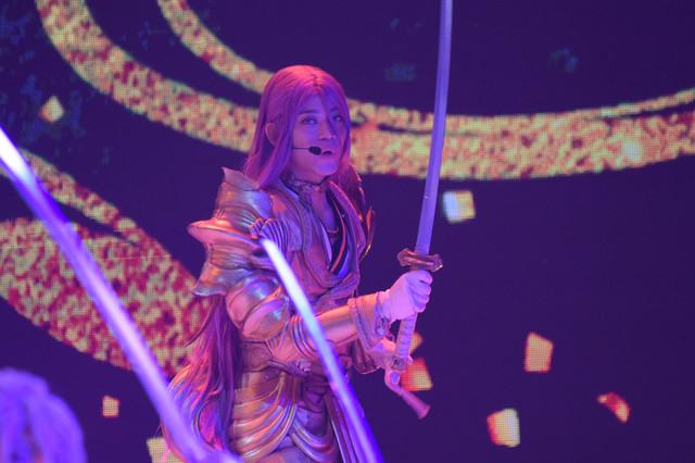 高橋健介演じる蜂須賀虎徹。