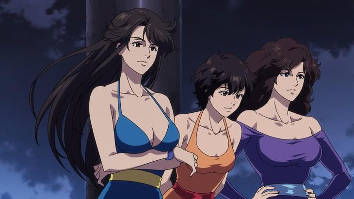 怪盗キャッツアイ。左から次女・瞳、三女・愛、長女・泪。