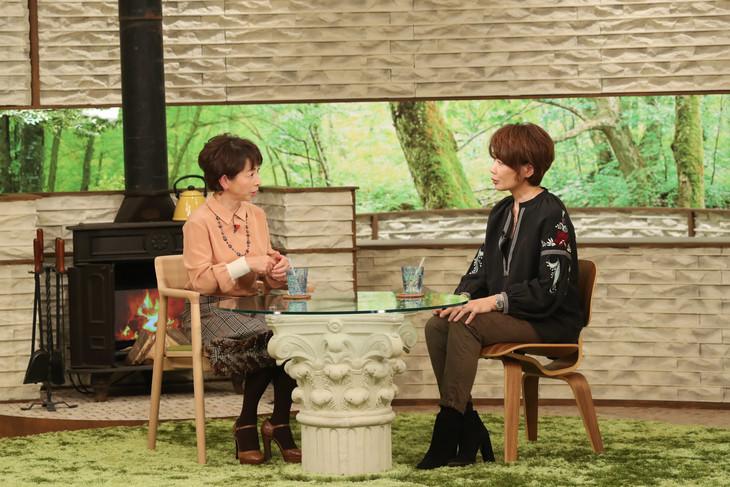 「サワコの朝」より。左から阿川佐和子、ヤマザキマリ。(c)MBS