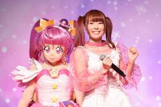 左からキュアスター、成瀬瑛美。