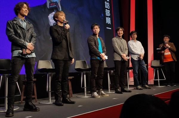 イベントの様子。左から小野賢章、諏訪部順一、david productionの梶田代表、animaの笹原代表、bonesの南代表、MCの向清太朗(天津)。