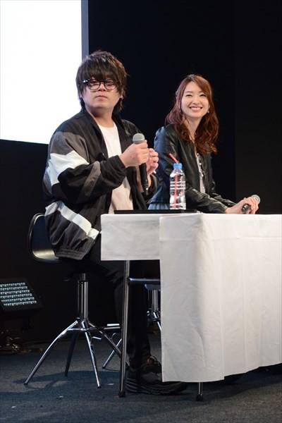 イベントの様子。左から松岡禎丞、戸松遥。