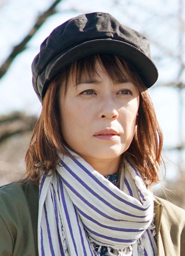 今田聖子役の佐藤仁美。