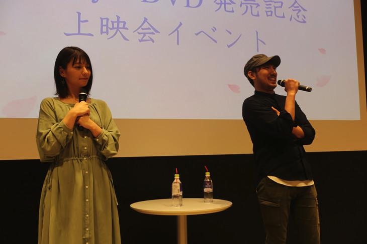 劇場アニメ「君の膵臓をたべたい」Blu-ray / DVD発売記念上映イベントの様子。左からLynn、牛嶋新一郎。