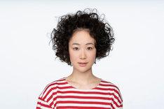 黒木華扮する大島凪。(c)TBS